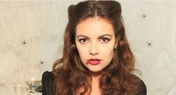 Look spécial Halloween : la coiffure Vampirella