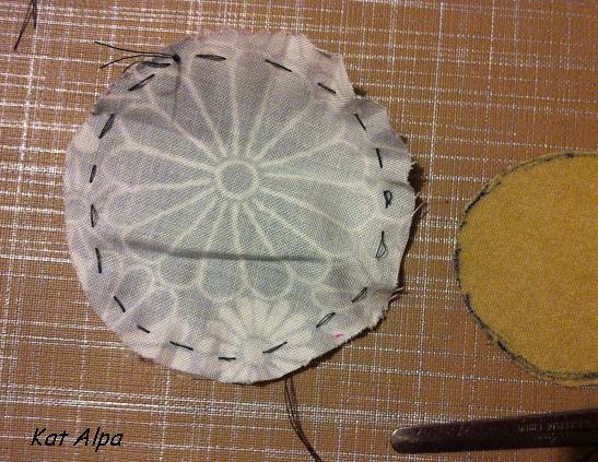 broche 4 - Des rondeurs pour une broche fantaisie