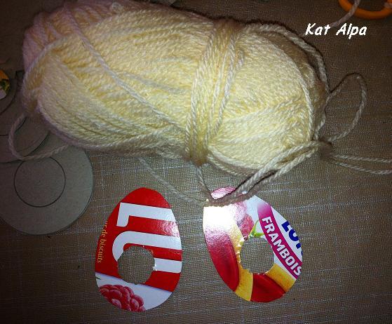 paques 2 - TUTO LOISIR CRÉATIF BY Kat Alpa : Des pompons pour Pâques