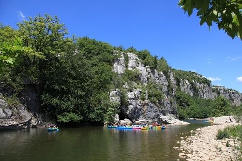 666186747472cea2e8b7b44fd124836d - Une journée en Ardèche pour en prendre plein les yeux !