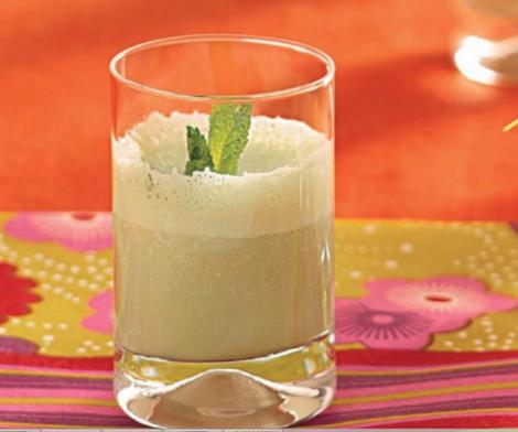 Milkshake fraîcheur de menthe et de banane