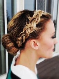 19-Front-Braid-to-Bun