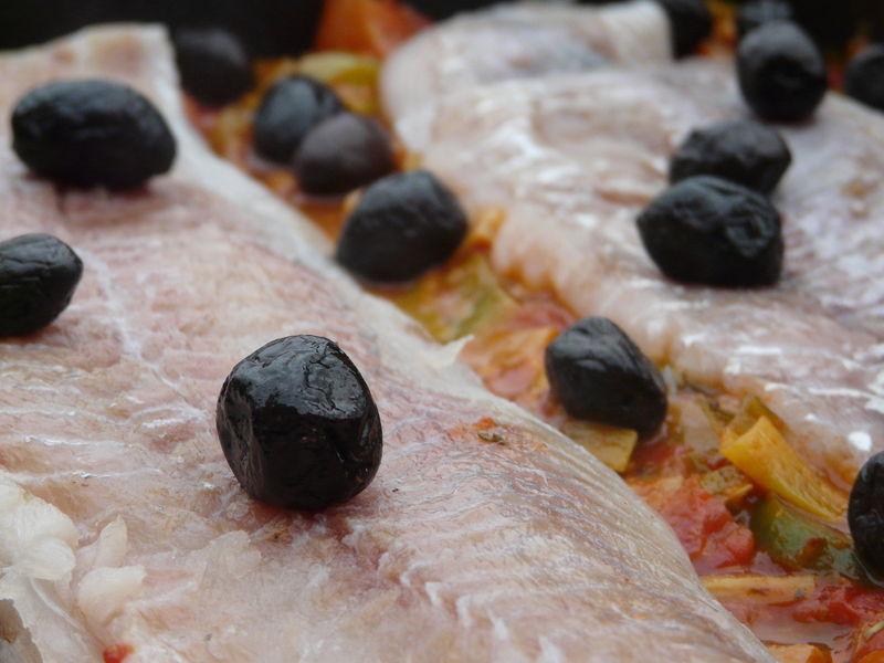 poignées d'olives noires