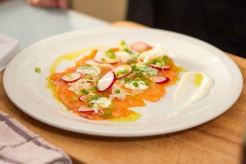 recette carpacio saumon fenouil e1610709051427 500x333 - Carpaccio de Saumon