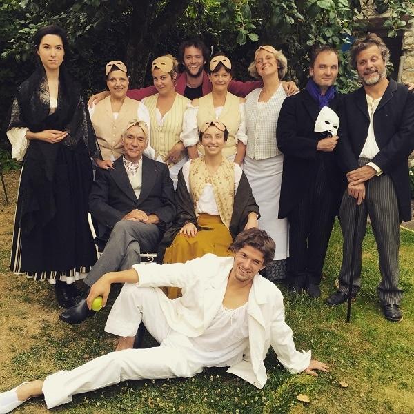photo de famille bouquet de chardons 21491 - Les cuisinières de Carlo Goldoni à l'Artistic Théatre
