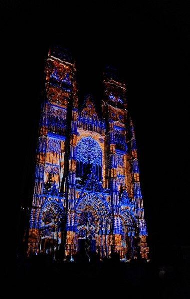 mapping leonard de serres   Copie 24760 - De fabuleux spectacles à Tours pendant tout l'été ...