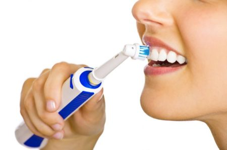 Les brosses à dents électriques se modernisent avec des capteurs