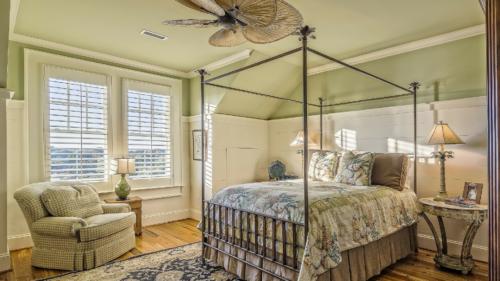les astuces embellir chambre 500x281 - Les astuces pour embellir votre chambre