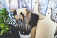 kitchen 791181 960 720 200x133 - Les 6 ustensiles indispensables dans une cuisine !