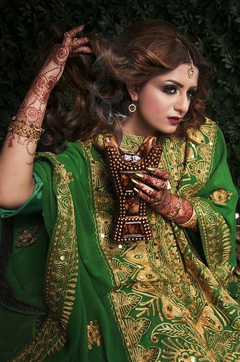mehndi designs 1745048 960 720 - Pour vos cheveux, essayez la coloration naturelle !