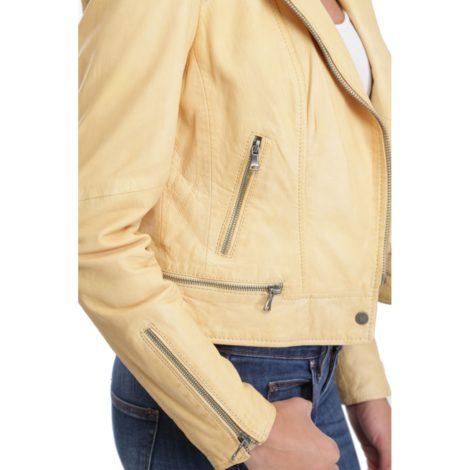 blouson cuir femme oakwood sidonie jaune clair e1500226301581 - Un blouson ou une veste en cuir pour être élégante !