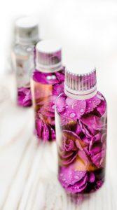 essential oils 2405565 960 720 167x300 - Les huiles essentielles : 11 choses à savoir !