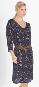 téléchargement 15 134x300 - Robes : différents styles pour différentes silhouettes