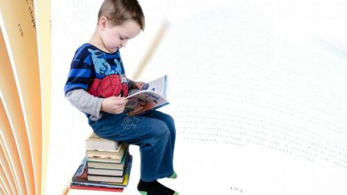f53a8a54dd94479dde1a2af80d859c0c 500x281 - Des programmes novateurs pour aider les enfants à étudier lors des vacances scolaires - Femme Magazine