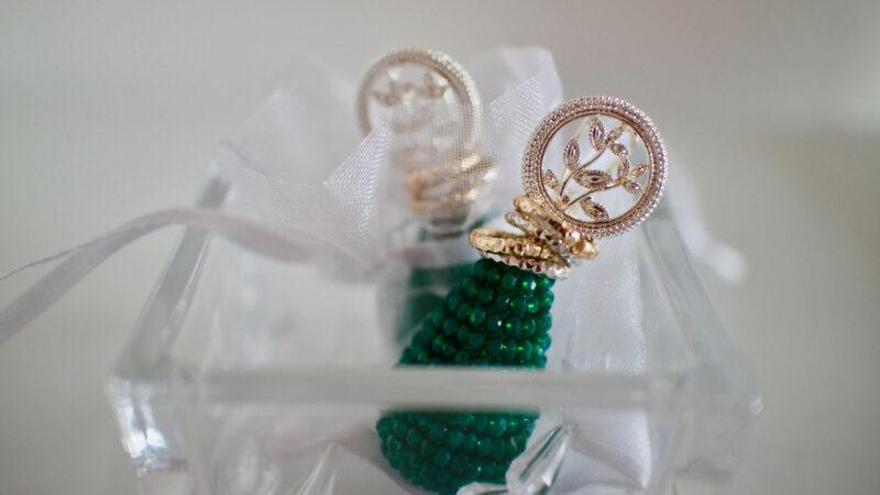13780ae463e4c22f6412a1c632778dbf 800x450 - Quel bijou choisir pour les fêtes de fin d'année ?