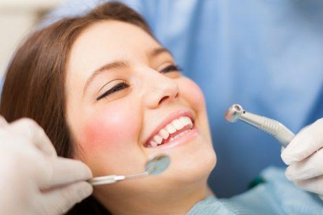 Quels sont les soins dentaires importants pour les femmes?