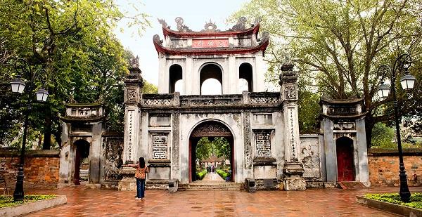 hanoi temple litterature - Partir au Vietnam ^pour un dépaysement total!