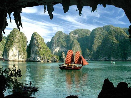 vietnam baie along jonque - Partir au Vietnam ^pour un dépaysement total!