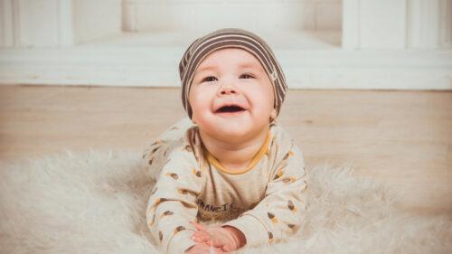f4570788e9deadea128cb7c7a7e26e95 500x281 - La Chambre de bébé doit être jolie mais surtout pratique !