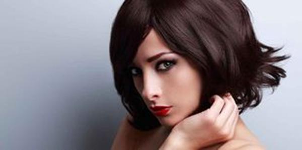 Coupe de cheveux carre long lisse