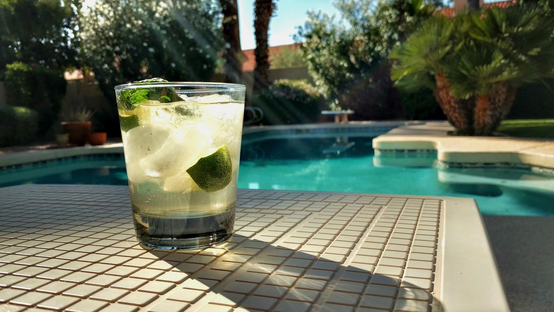 Pourquoi adopter un abri piscine ?