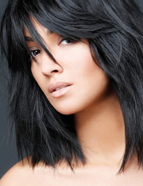 un carre long volumineux - Cheveux mi-longs - Modèles de coupes qui donnent envie de couper ses longueurs