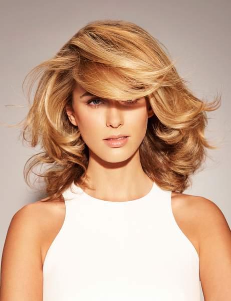 une meche pour habiller le front - Cheveux mi-longs - Modèles de coupes qui donnent envie de couper ses longueurs