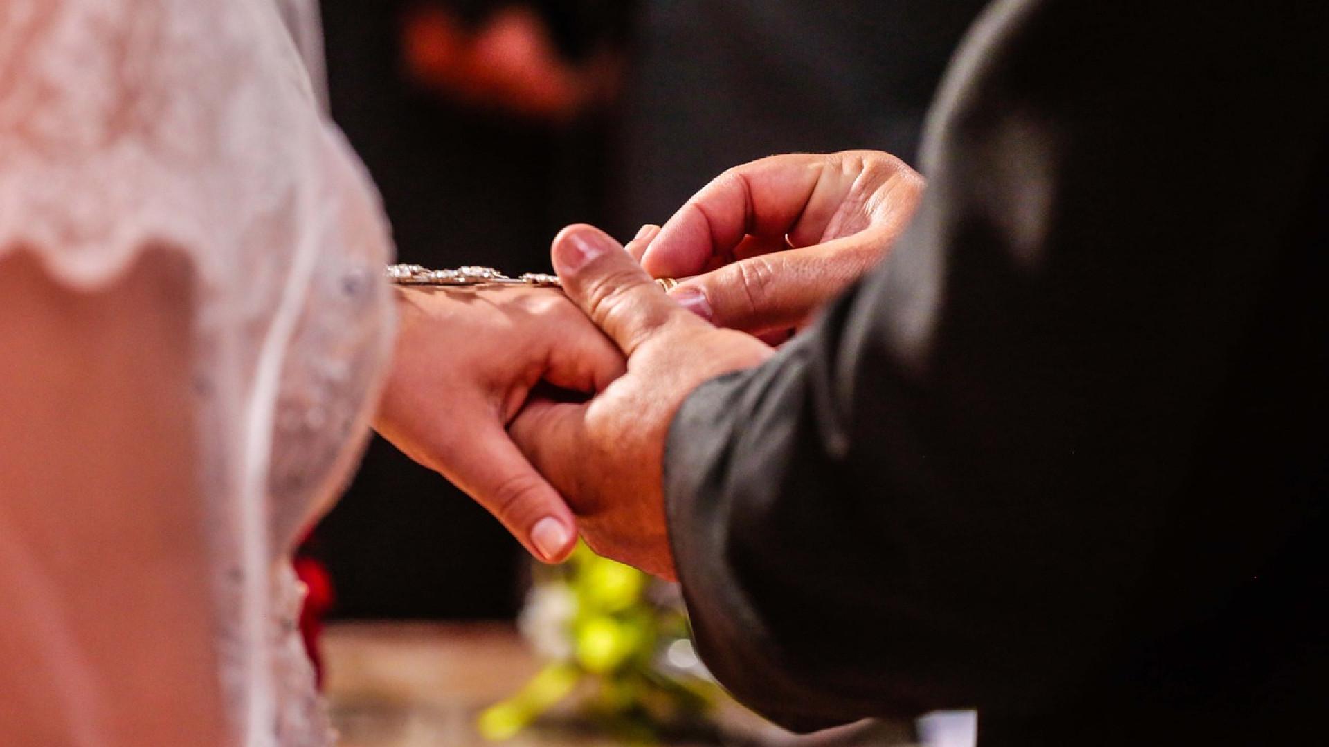 Comment bien choisir sa bague de fiançailles ?