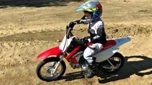 maxresdefault 1 300x169 - Les mini-motos (ou quads) pour enfants : conseils et sécurité