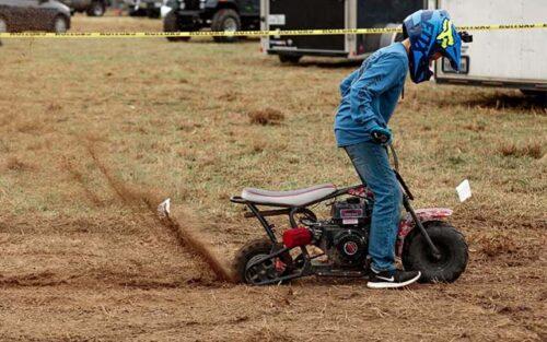 mini bike rooster tail 500x313 - Les mini-motos (ou quads) pour enfants : conseils et sécurité
