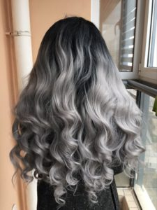 High Quality Silver Grey Body wave wig with dark roots Natural Black Gray 2t Ombre Synthetic 225x300 - Faire un Ombré Hair réussi ? Les choses à savoir !