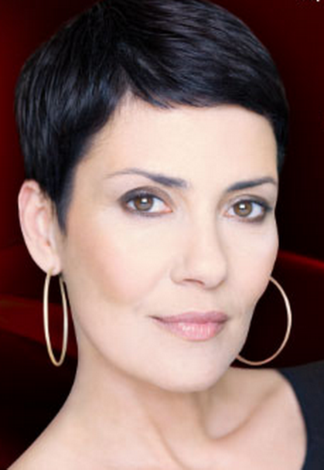 coupe courte cheveux cristina cordova - Coiffez-vous avec une coupe courte femme - Coiffure Femme en 2020 2021