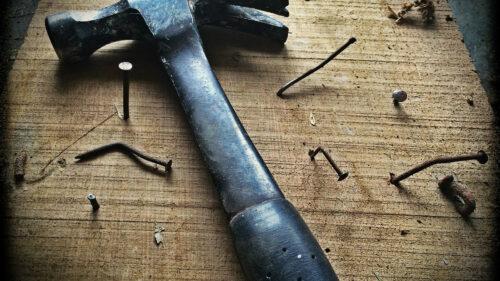50992fe13c3917e93c55d0c9436959f9 500x281 - Quand les femmes savent tout réparer toutes seules
