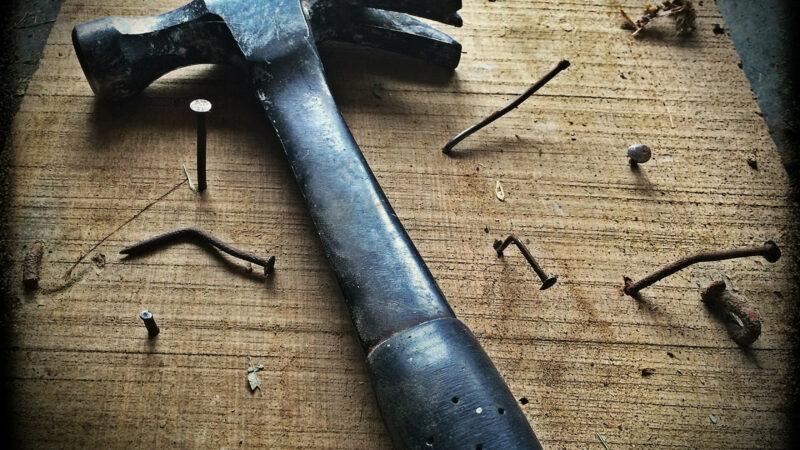 50992fe13c3917e93c55d0c9436959f9 800x450 - Quand les femmes savent tout réparer toutes seules