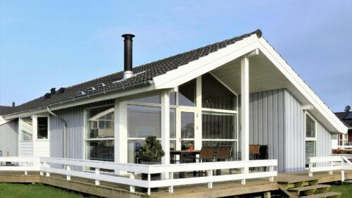 2350bf80983adb32e9601ba7c97c7128 500x281 - Faire dans l'originalité avec une maison en bois