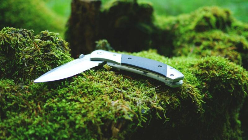 c5ee29189e40f99e83c938b89be39732 800x450 - Les femmes aussi peuvent choisir des couteaux d'exception