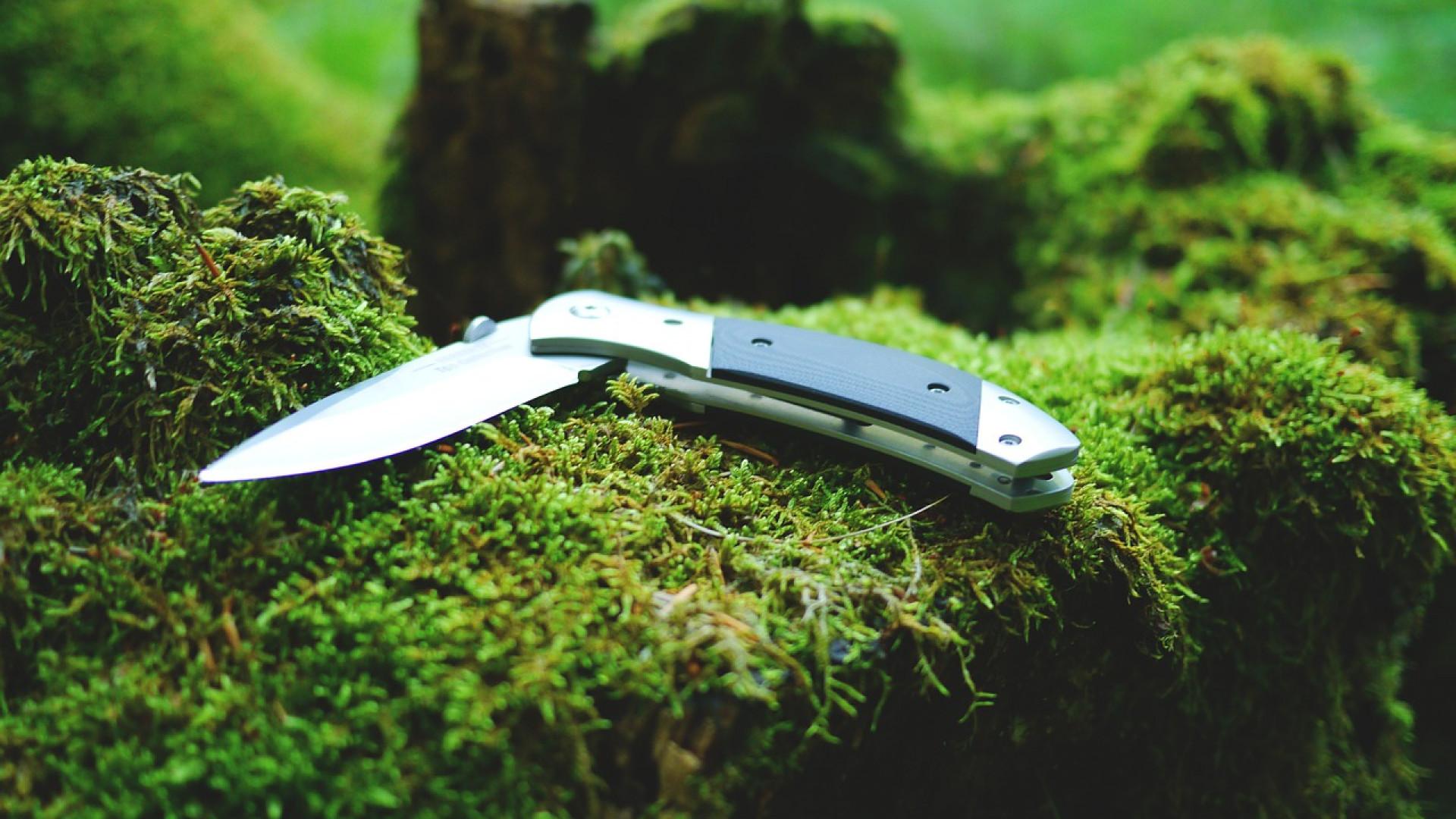 Les femmes aussi peuvent choisir des couteaux d'exception