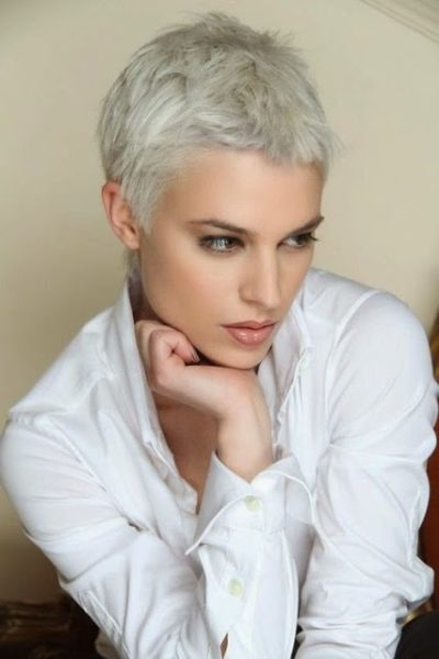 Coupe Courte Femme Osez Un Modele De Coiffure Avec Cheveux Courts 2020