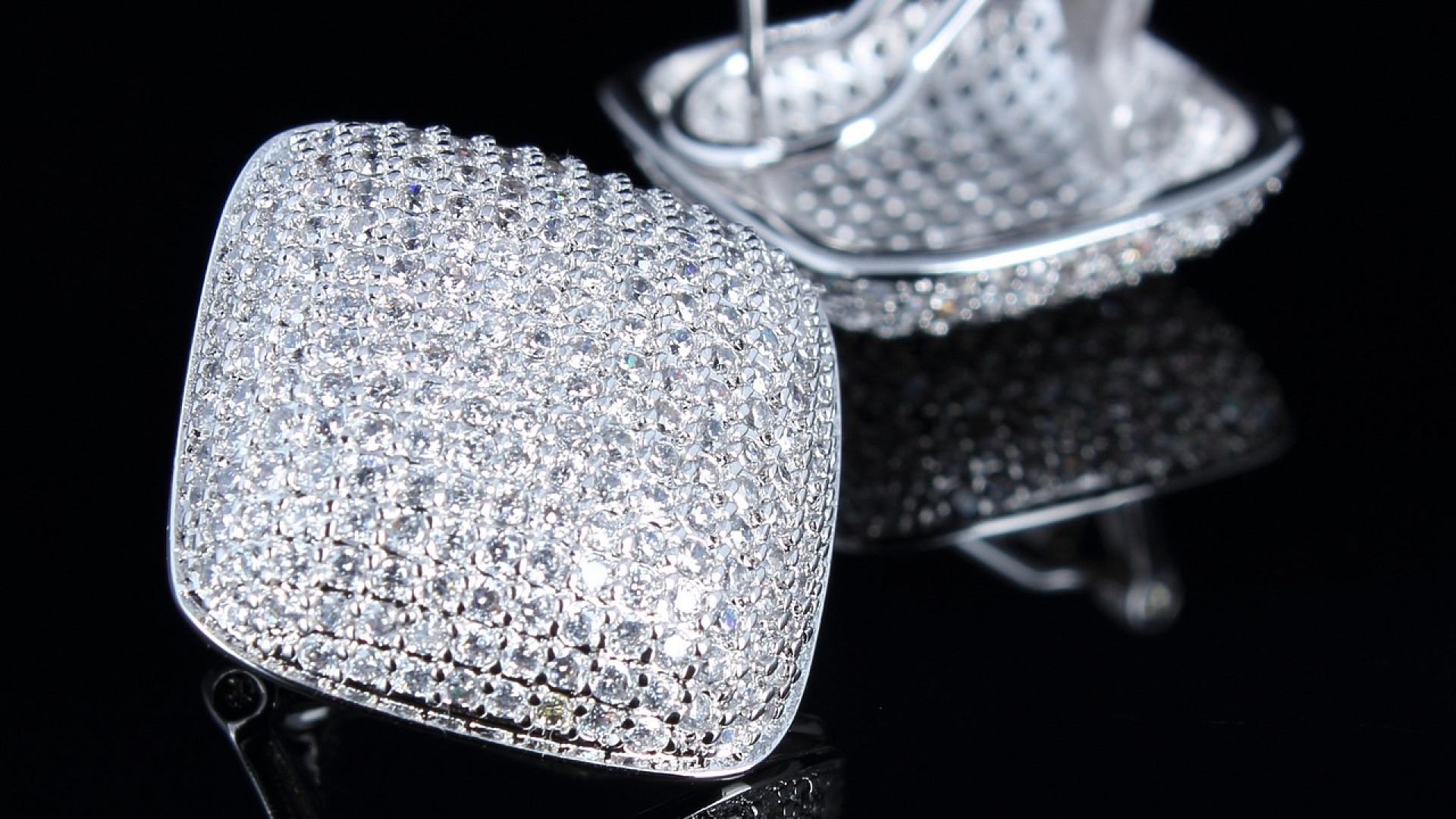 f1a3c03a4cb1b346cab5f5949e6d9243 - Le cristal de Swarovski, une tendance actuelle