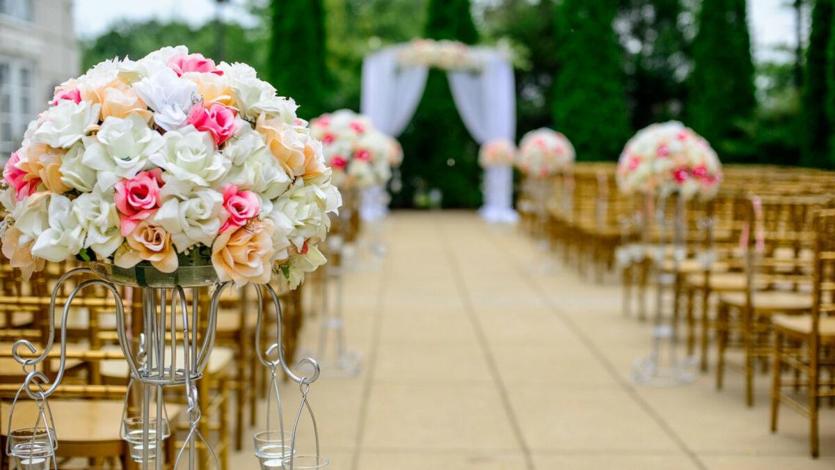 fc1e19cc1ee3610fc944604dfdf8821f 1200x675 - Comment réussir la décoration de votre mariage ?