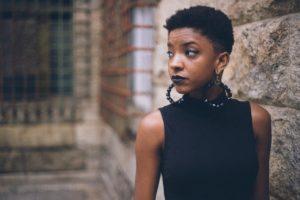 girl 1868930 1280 300x200 - Prendre soin de ses cheveux afro : tous nos conseils