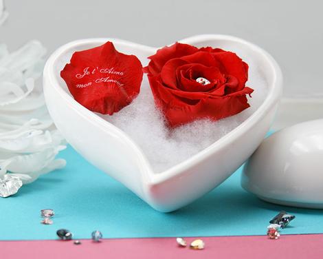Fleur éternelle dans un coeur saint*valentin