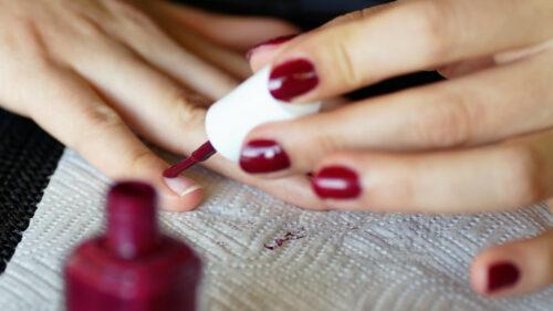 3cb2e9579d9d3926f1f5d69bb688fdcb 500x281 - Prendre soin de ses mains, une priorité beauté absolue