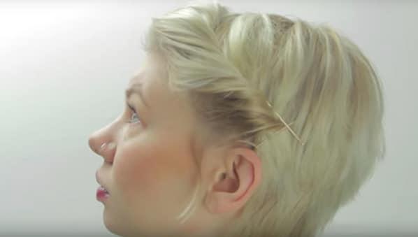 coiffure cheveux repousse5 - Comment coiffer ses cheveux courts qui repoussent
