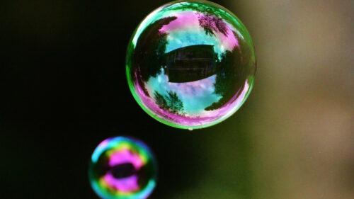 170c6689d0fa5e573b0b30e2d5d5ec20 500x281 - Profitez d'une nuitée dans une bulle en Bretagne