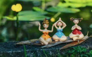 meditate 4246266 1280 300x188 - 5 conseils pour des règles moins douloureuses