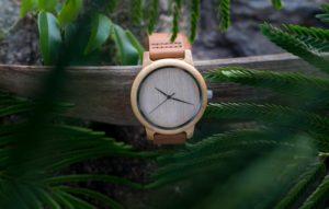 untitled 09374 min 300x191 - La mode des montres en bois