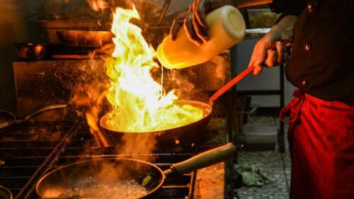 7d57060729aadb5e69d060ca0165b15f 500x281 - Comment bien choisir sa plaque chauffante pour sa cuisine ?