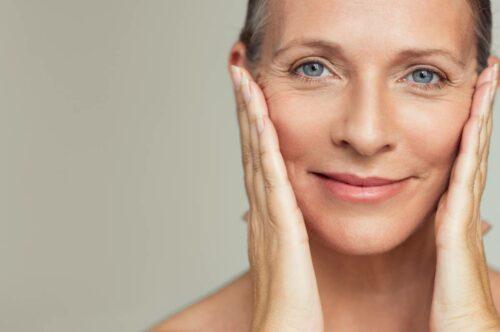picture eclatante combattre 500x332 - Comment combattre la peau grasse pour une peau nette et éclatante ?