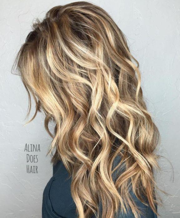coiffure cheveux longs vague - Coiffures mignonnes et coupes pour cheveux longs